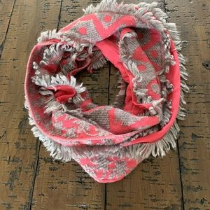 Vismaya button scarf